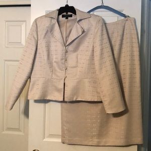 Larry Levine Women's Suite